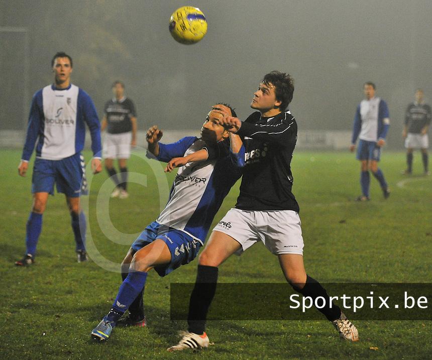 SV Rumbeke - VC Wingene : duel tussen Nicolas Da Silva (links) en Toon Callens (rechts)<br /> foto VDB / Bart Vandenbroucke