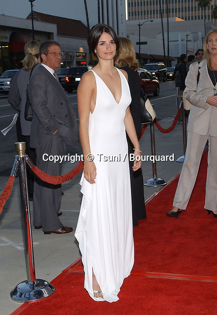 Penelope Cruz arriving at the premiere of Captain Corelli's Mandolin at the Academy of Motion Picture in Los Angeles. August 13, 2001   CruzPenelope03.JPG