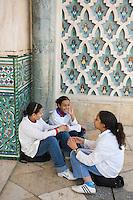 Afrique/Afrique du Nord/Maroc /Casablanca: la Grande Mosquée Hassan II - jeunes filles
