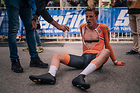 Julius Van Den Berg (NED) downed by fatigue after finishing <br /> <br /> MEN UNDER 23 INDIVIDUAL TIME TRIAL<br /> Hall-Wattens to Innsbruck: 27.8 km<br /> <br /> UCI 2018 Road World Championships<br /> Innsbruck - Tirol / Austria