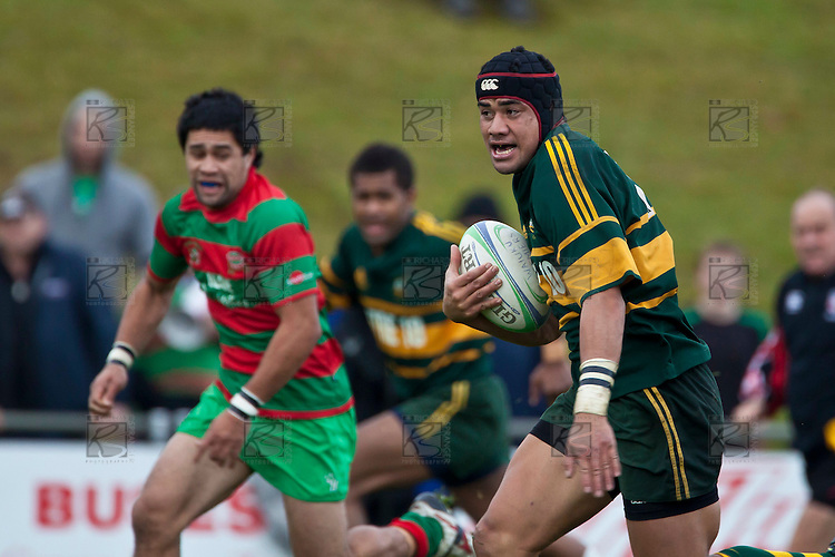 Maama Vaipula heads for the tryline. Counties Manukau McNamara Cup Premier Club Rugby final between Pukekohe andWaiuku, held at Bayer Growers Stadium, on Saturday July 17th. Waiuku won 25 - 20.