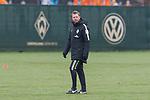 12.01.2018, Trainingsgelaende, Bremen, GER, 1.FBL, Training SV Werder Bremen<br /> <br /> im Bild<br /> Florian Kohfeldt (Trainer SV Werder Bremen), <br /> <br /> Foto &copy; nordphoto / Ewert