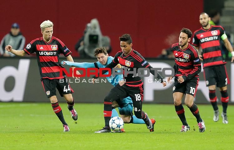 Championsleague , Bayer 04 Leverkusen vs. FC Barcelona<br /> #lev44,Lionel Andr&radic;&copy;s Messi (Barcelona),Wendell (Leverkusen),Hakan &radic;&aacute;alhanoń&uuml;lu (Leverkusen)<br /> Foto &not;&copy; nordphoto /  Bratic *** Local Caption ***