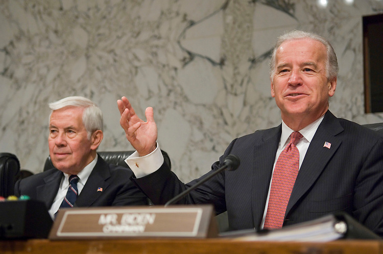 01/10/07--Senate Foreign Relations ranking Republican Richard G. Lugar, R-Ind., and Chairman Joseph R. Biden Jr., D-Del., during the hearing on policy options in Iraq. Congressional Quarterly Photo by Scott J. Ferrell
