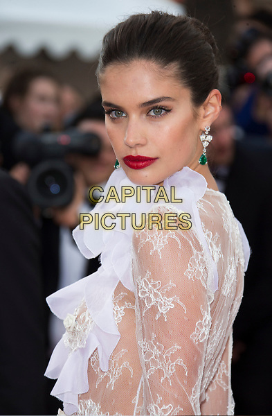 Cannes Filmfestival 2017 - Day 6 - Sara Sampaio - Premiere Mise A Mortr Du Cerf Sacre
