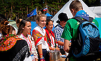 Portuguese Scouts and Guides are offering food at cultural Festival in winter town. Photo: André Jörg/ Scouterna