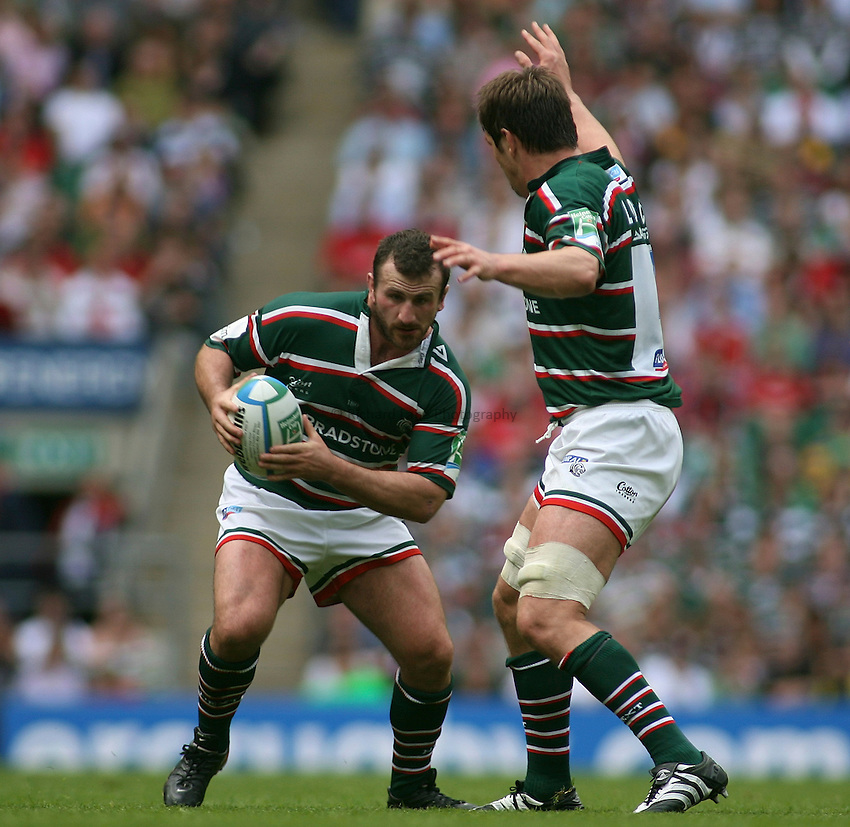 Photo: Paul Thomas..London Wasps v Leicester Tigers. Heineken Cup Final. 20/05/2007...George Chuter of Leicester attacks.