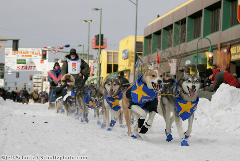 Erick Rogers on 4th avenue in Anchorage on Saturday March 1st during the ceremonial start day of the 2008 Iidtarod Sled Dog Race.