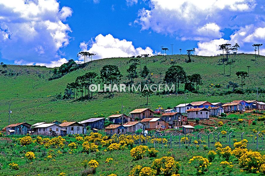 Vila de colonos em Bom Jardim da Serra, Santa Catarina.1996. Foto de Stefan Kolumban.