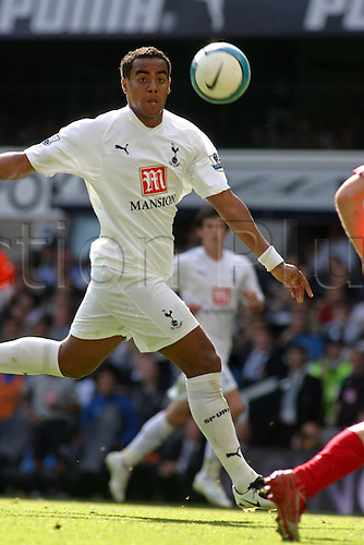 15 September 2007: Tottenham midfielder Tom Huddlestone  chases the ball during the Premier League game between Tottenham Hotspur and Arsenal, played at White Hart Lane. Arsenal won the match 3-1. Photo: Actionplus....070915 football soccer player premiership spurs