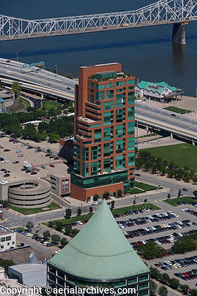aerial photograph Clark Memorial Bridge, residential tower at Ohio river downtown Louisville, Kentucky
