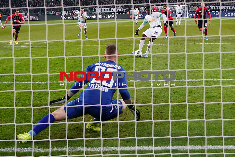 01.12.2019, Borussia Park , Moenchengladbach, GER, 1. FBL,  Borussia Moenchengladbach vs. SC Freiburg,<br />  <br /> DFL regulations prohibit any use of photographs as image sequences and/or quasi-video<br /> <br /> im Bild / picture shows: <br /> 11 Meter durch Breel Embolo (Gladbach #36),  <br /> <br /> Foto © nordphoto / Meuter