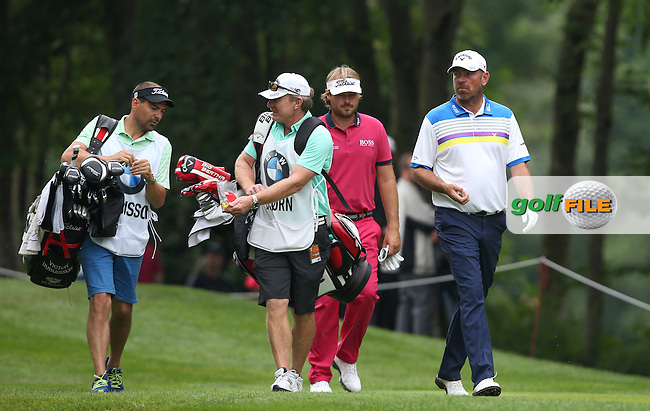 John Curtis shares out the jelly beans of Thomas Bjorn (DEN) during Round Three of the 2015 BMW International Open at Golfclub Munchen Eichenried, Eichenried, Munich, Germany. 27/06/2015. Picture David Lloyd | www.golffile.ie