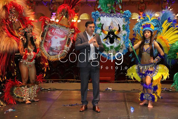 MANAUS, AM, 12.04.2019: CULTURA-MANAUS - Wilson Lima, Governador do Estado do Amazonas. Victor Bicca, diretor de relações corporativas da Coca-Cola Braisl, assina documento oficializando o patrocínio de R$ 2,5 milhões que a Coca-Cola destinará aos bumbás em 2019, na manhã desta sexta-feira (12), no Teatro Amazonas, no centro, zona sul da capital Manaus. <br /> (<br /> Foto: Sandro Pereira/Codigo19)