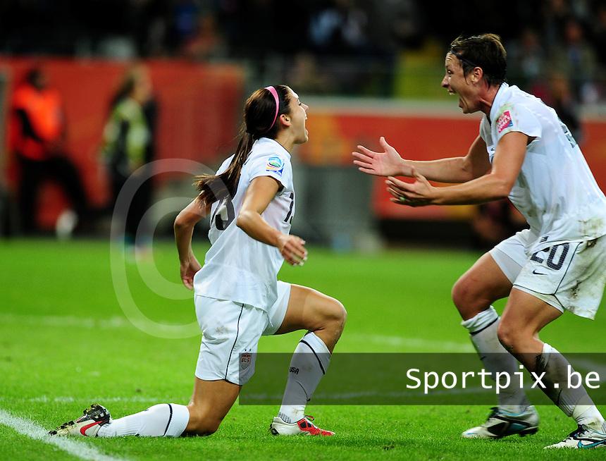 Fifa Women's World Cup Germany 2011 : Japan - USA  at Commerzbank Arena Frankfurt : Alex Morgan scoort de 1-0 voor USA en gefeleciteerd door Abby Wambach.foto DAVID CATRY / Vrouwenteam.be
