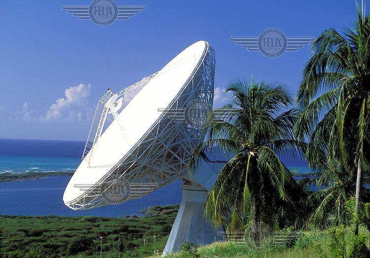 ©Guy Mansfield/Panos Pictures..Jamaica. Satellite dish.
