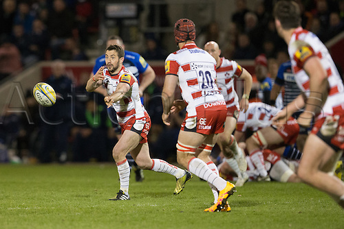 29.04.2016. AJ Bell Stadium, Salford, England. Aviva Premiership Sale Sharks versus Gloucester Rugby. Gloucester Rugby scrum half Greig Laidlaw passes the ball.