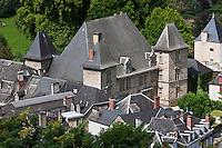 Europe/France/Aquitaine/64/Pyrénées-Atlantiques/Pays-Basque/Mauléon-Licharre: Le château de Maytie dit d'Andurain a été édifié à la fin du XVIe siècle par Pierre de Maytie. Le logis rectangulaire cantonné de pavillon est orné de fenêtres à meneaux et de lucarnes ouvragées de style renaissance. I