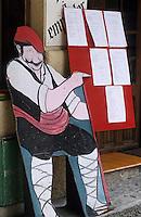 Europe/France/Languedoc-Roussillon/66/Pyrénées-Orientales/Vallespir/Céret: Porte-menu place des Neuf Jets. Porte menu représentant un catalan en costume traditionnel