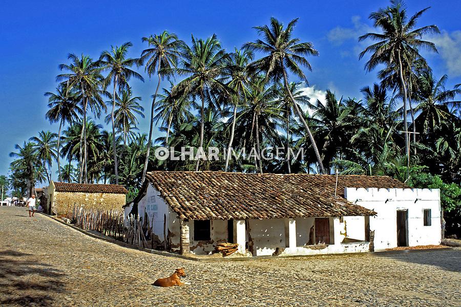 Casas na Vila de Icaraí, Ceará. 1993. Foto de Juca Martins.