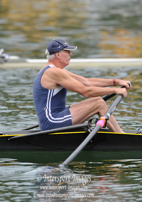 Vienna, AUSTRIA.  E1X, Belfast BC, Stephen LOCKWOOD [52YOB] moves away from the stake boat at the start,  2009 FISA World Rowing Masters Championships, on the New Danube Rowing Course  Friday  04/09/2009  [Mandatory Credit. Peter Spurrier/Intersport Images] .