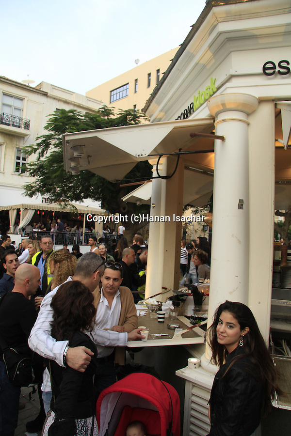 Israel, Tel Aviv-Yafo, street party on Rothschild boulevard