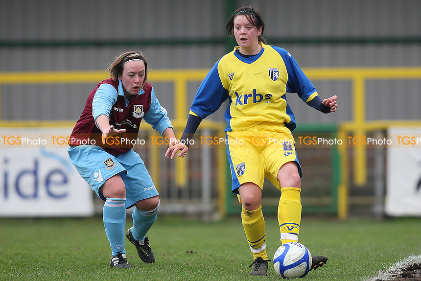 Tracey Duxbury in action for West Ham - West Ham United Ladies vs Gillingham Ladies - FA Women's Premier League Southern Division Football at Ship Lane, Thurrock FC - 13/02/11 - MANDATORY CREDIT: Gavin Ellis/TGSPHOTO - Self billing applies where appropriate - Tel: 0845 094 6026