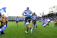 Zach Mercer and the rest of the Bath Rugby team run onto the field. Aviva Premiership match, between Bath Rugby and Harlequins on November 25, 2017 at the Recreation Ground in Bath, England. Photo by: Patrick Khachfe / Onside Images