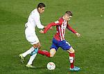Atletico de Madrid's Fernando Torres (r) and Real Madrid's Raphael Varane during La Liga match. October 4,2015. (ALTERPHOTOS/Acero)