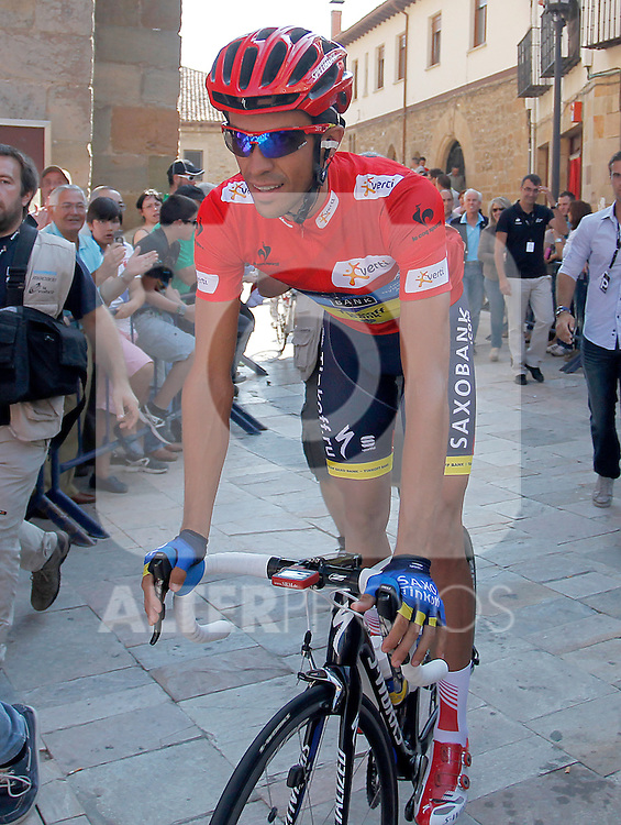 Alberto Contador before the stage of La Vuelta 2012 beetwen Aguilar de Campoo-Valladolid.September 6,2012. (ALTERPHOTOS/Paola Otero)