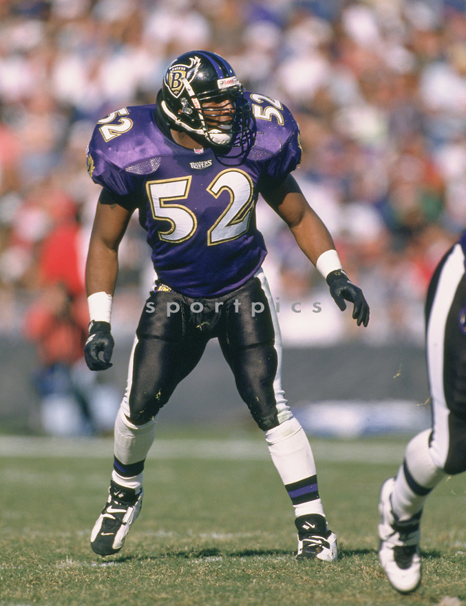 Baltimore Ravens Ray Lewis (52) during a game from his 1996 season with the Baltimore Ravens. Ray Lewis played for 17 seasons, all with the Ravens, and was a 13-time Pro Bowler.<br /> (SportPics)