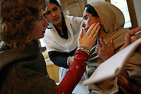 Ruth Ann Fanstone, burns physiotherapist is assessing the victimes of attacks at Acid Survivors Foudation Pakistan center, in Islamabad, Pakistan-2009