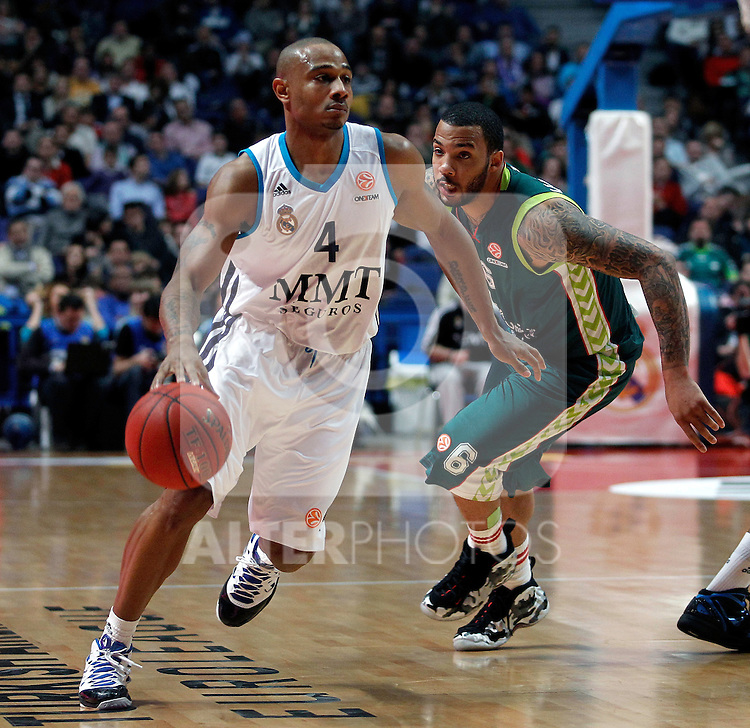 Real Madrid's Dontaye Draper and Unicaja's Marcus Williams during Liga Endesa match. March 15, 2013.(ALTERPHOTOS/Alconada)