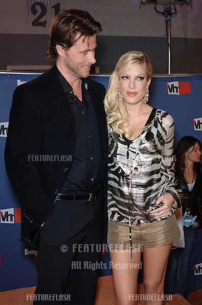 Actress TORI SPELLING & boyfriend actor DEAN McDERMOTT at the VH1 Big in 05 Awards at Sony Studios, Culver City..December 3, 2005  Culver City, CA..© 2005 Paul Smith / Featureflash