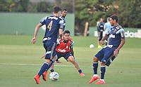 SÃO PAULO,SP, 25.05.2015 - FUTEBOL-PALMEIRAS - Dudu do Palmeiras durante o treinamento do Palmeiras na Academia de Futebol, na Barra Funda zona oeste nesta segunda-feira, 25. (Foto: Bruno Ulivieri/Brazil Photo Press)