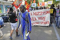 - Milano 9 Giugno 2018, manifestazione di protesta dei migranti per l'assassinio nella piana di Gioia Tauro, in Calabria, di Soumaila Sacko, immigrato africano dal Mali, bracciante agricolo e sindacalista del sindacato indipendente USB<br />