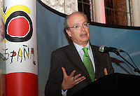 Repro Free Spanish Ambassador to ireland Javier Garrigues Travel Extra,Travel Journalist of the Year Awards at the Thomas Prior House Ballsbridge. The event which was sponsored by The Spanish Tourist board gave out 12 awards for different catagories. This year saw a huge increase in the number of submissions from previous years, displaying the creativity and continuning innovation of travel and tourism journalism in Ireland. Collins Photos 25/1/13
