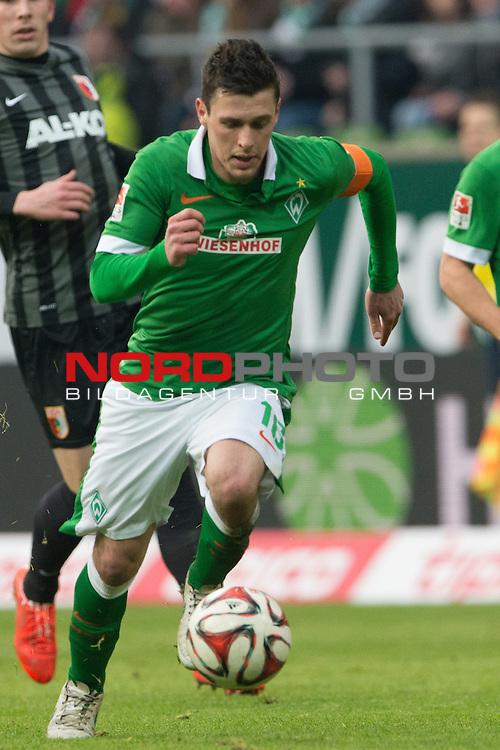 14.02.2015, Weser Stadion, Bremen, GER, 1.FBL. Werder Bremen vs 1. FC Augsburg, im Bild<br /> <br /> Zlatko Junuzovic (Bremen #16)<br /> Einzelaktion, Ganzk&ouml;rper / Ganzkoerper,<br /> <br /> <br /> <br /> Foto &copy; nordphoto / Kokenge