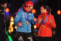 SCHAATSEN: AMSTERDAM: Olympisch Stadion, 28-02-2014, KPN NK Sprint/Allround, Coolste Baan van Nederland, Huldiging Olympische medaillewinnaars, Margot Boer, Marrit Leenstra, ©foto Martin de Jong
