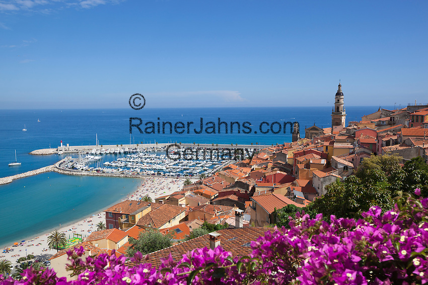 France, Provence-Alpes-Côte d'Azur, Menton: View over old town and port | Frankreich, Provence-Alpes-Côte d'Azur, Menton: Altstadt und Hafen