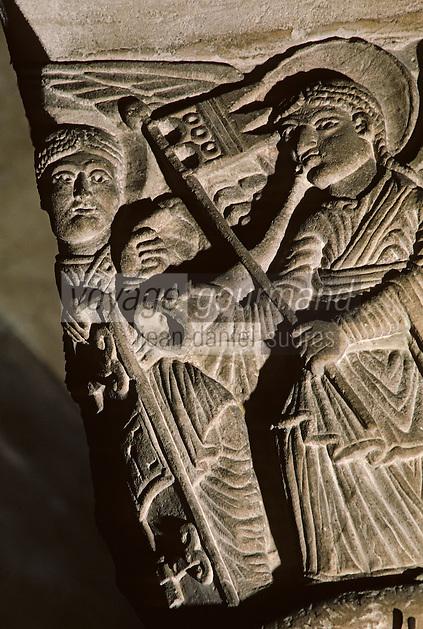 Europe/France/Auvergne/63/Puy-de-Dôme/Clermont-Ferrand: La Basilique Notre-Dame-du-Port (architecture romane) - Détail chapiteau représentant le triomphe de Marie
