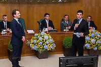 CURITIBA, PR, 01.05.2016 - LAVA JATO - O Juiz federal Sérgio Moro recebe homenagem durante o I Fórum Nacional de Administração Gestão e Estratégia da Justiça Federal na noite desta quarta-feira (01) em Curitiba (PR). (Foto: Paulo Lisboa/Brazil Photo Press)