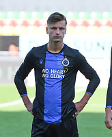20191022 – OOSTENDE , BELGIUM : Brugge's Jarno Vervaque pictured during a soccer game between Club Brugge KV and Paris Saint-Germain ( PSG )  on the third matchday of the UEFA Youth League – Champions League season 2019-2020 , thuesday  22 th October 2019 at the Versluys Arena in Oostende  , Belgium  .  PHOTO SPORTPIX.BE | DAVID CATRY