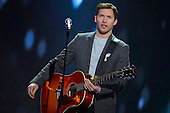 Dec 07, 2013: JAMES BLUNT - Telethon Paris France