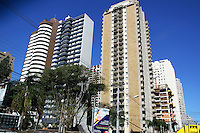 CURITIBA, PR, 05.08.2014 - PRÉDIOS EM CURITIBA - Vista do Bairro Bigorrilho em Curitiba na tarde desta terça-feira (5). Foto: Paulo Lisboa / Brazil Photo Press)