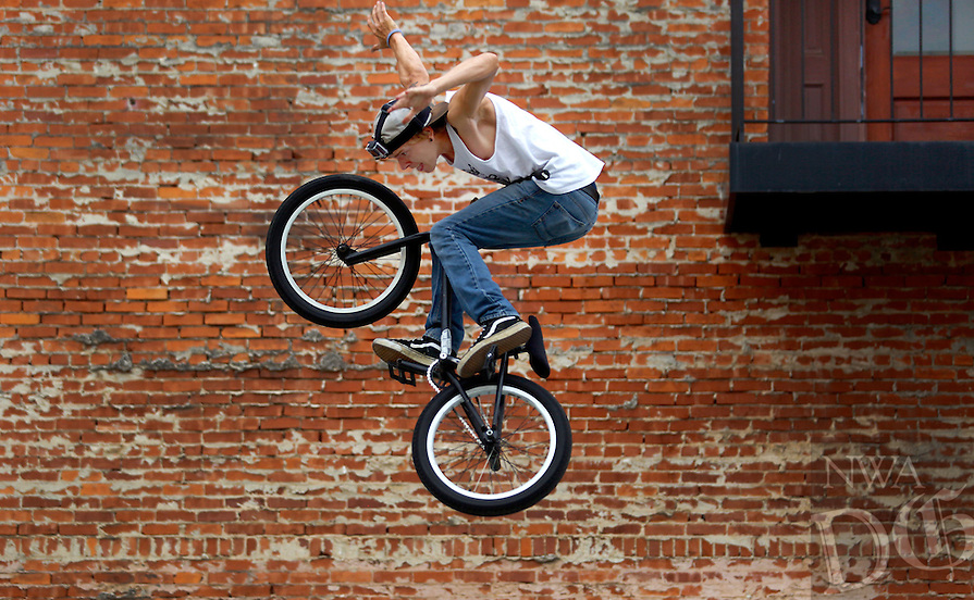 STAFF PHOTO JASON IVESTER --07/18/2014--<br />
