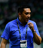 PALMIRA - COLOMBIA, 06-10-2018: Diego Corredor, técnico de Patriotas F. C., durante partido de la fecha 13 entre Deportivo Cali y Patriotas F. C., por la Liga Aguila II 2018, jugado en el estadio Deportivo Cali (Palmaseca) de la ciudad de Cali. / Diego Corredor, coach of Patriotas F. C., during a match of the date 13th between Deportivo Cali and Patriotas F. C., for the Liga Aguila II 2018 at the Deportivo Cali (Palmaseca) stadium in Cali city. Photo: VizzorImage  / Nelson Ríos / Cont.