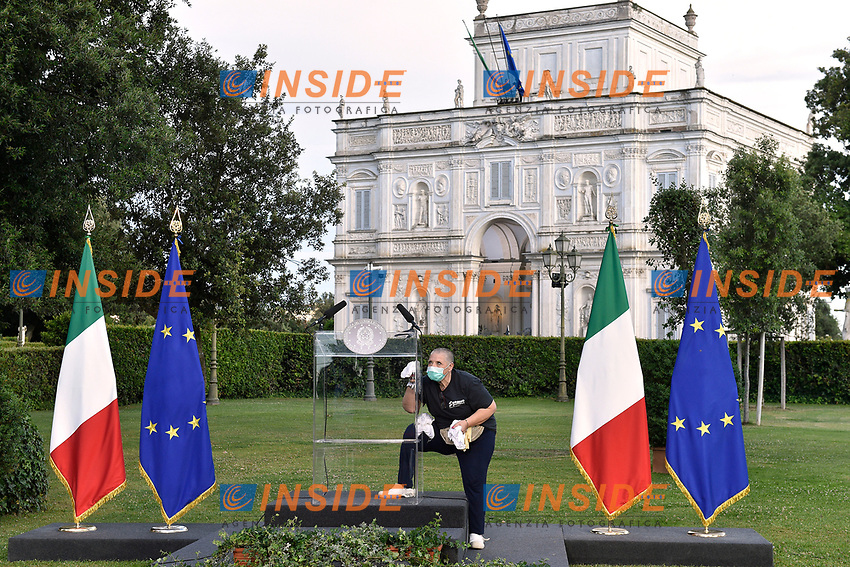 Disinfection just before the press conference of the Italian Premier at Casino del Bel Respiro, Villa Pamphili, at the end of the General States of Economy. Rome (Italy), June 21st 2020<br /> Pool Paolo Tre/Insidefoto