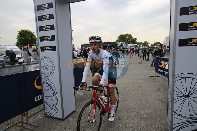 Haimar Zubeldia (ESP) Trek Factory Racing heads to sign on for the start of the 2015 96th Milan-Turin 186km race starting at San Giuliano Milanese, Italy. 1st October 2015.<br /> Picture: Eoin Clarke | Newsfile