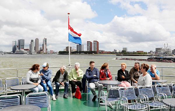 Nederland Rotterdam 2017. Varen naar de haven van Rotterdam met een Spido rondvaartboot. Foto Berlinda van Dam / Hollandse Hoogte